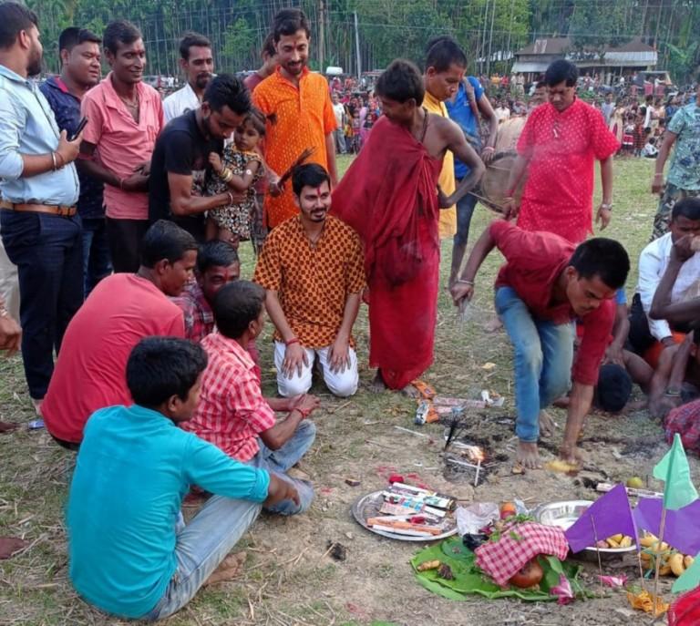 উৎসাহ উদ্দীপনার মধ্য দিয়ে মাটিজুরি পাইকান জিপির টেম্পুর বাজারে চরকপূজা সম্পন্ন