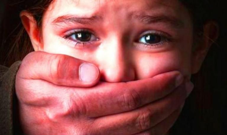 12 বছর বয়সী এক ছেলে তার বোনকে ধর্ষণ করেছে।